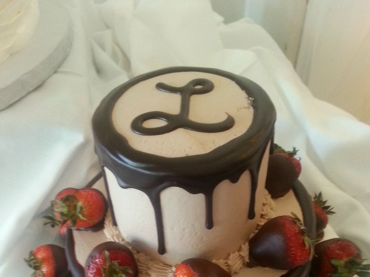 Tmx 1384972915336 Grooms Cake Chocolate Dipped Strawberry And Fudg Saint Petersburg, Florida wedding cake