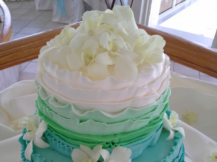 Tmx 1477614829912 Ombre Ruffle Wedding Cake Saint Petersburg, Florida wedding cake