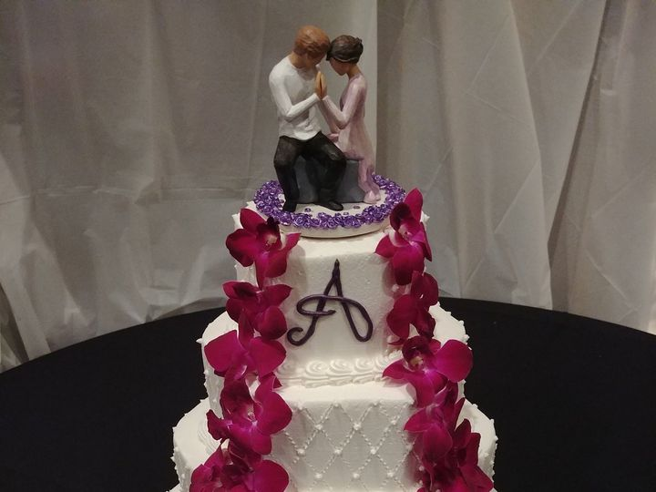 Tmx 1520382956 9a4fcce0a86659c7 1520382954 16a691ad1c0ca213 1520382946222 1 Orchid Cascade Wed Saint Petersburg, Florida wedding cake