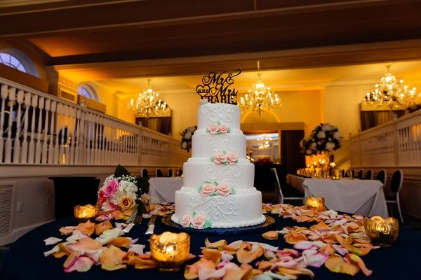 Tmx 1570986423723 Weaver Vrabic Limelightphotography 6 Big 29 19rachaelnickcr0469 51 184508 1571410786 Saint Petersburg, Florida wedding cake