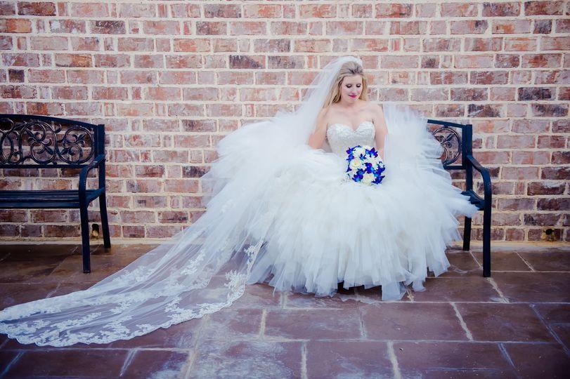The Milestone Aubrey bridal session