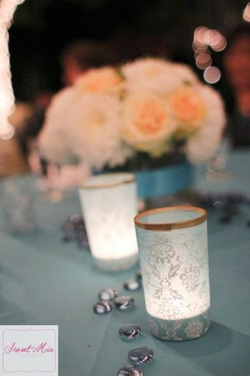 Blue, ivory and yellow table setting.