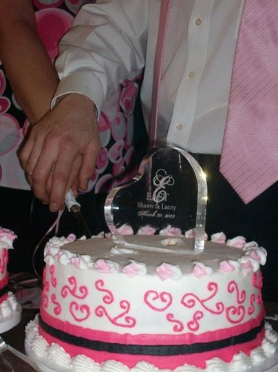 Slicing of the wedding cake