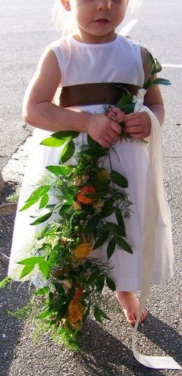 A trailing floral garland for the little one.
