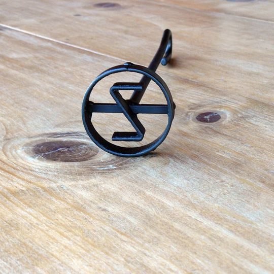 1 letter circle steak branding iron by T-Bone Brands