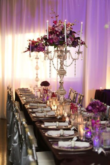 Long head table setting