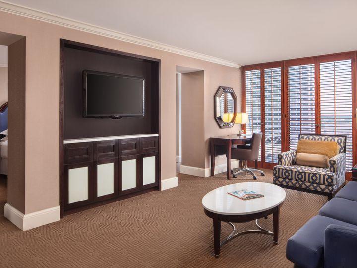 Tmx Shemsyisgr 251204 Executive Suite Living Room High 51 61708 160959349745324 New Orleans, LA wedding venue