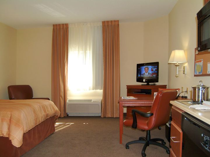 Tmx 1402684715632 Pic Queen Bed Room Fort Myers wedding travel