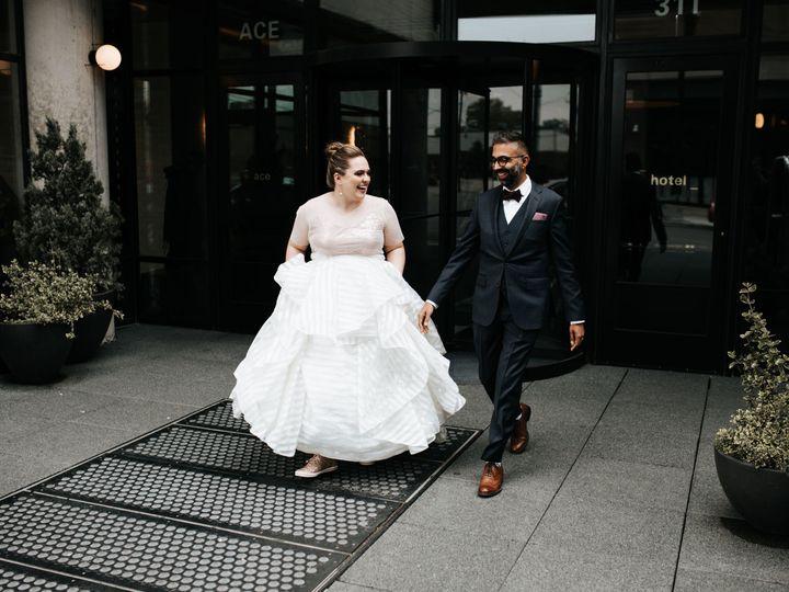 Tmx 1536614399 688a094a72aa00f2 1536614396 Be7597b18ff1e09d 1536614366716 8 WW 19 Portland, OR wedding photography