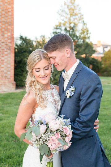 Newlyweds joy - Shelby Dickinson Photography