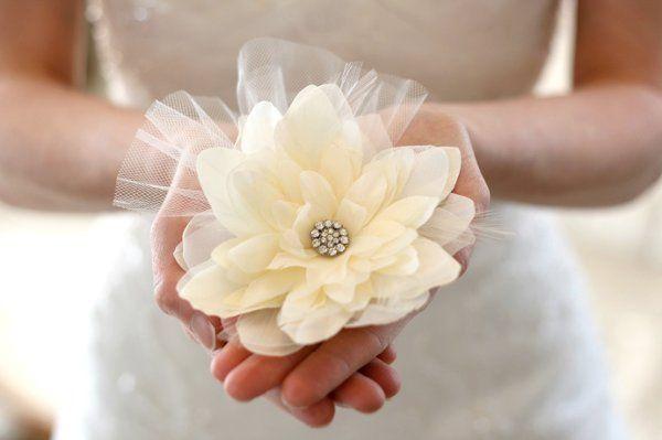 Tmx 1327274420294 Dahliaw.feathersTulleStyle008A Kansas City wedding jewelry