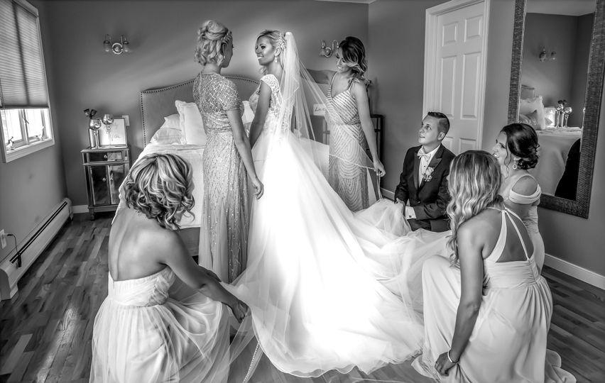 bride helper 2