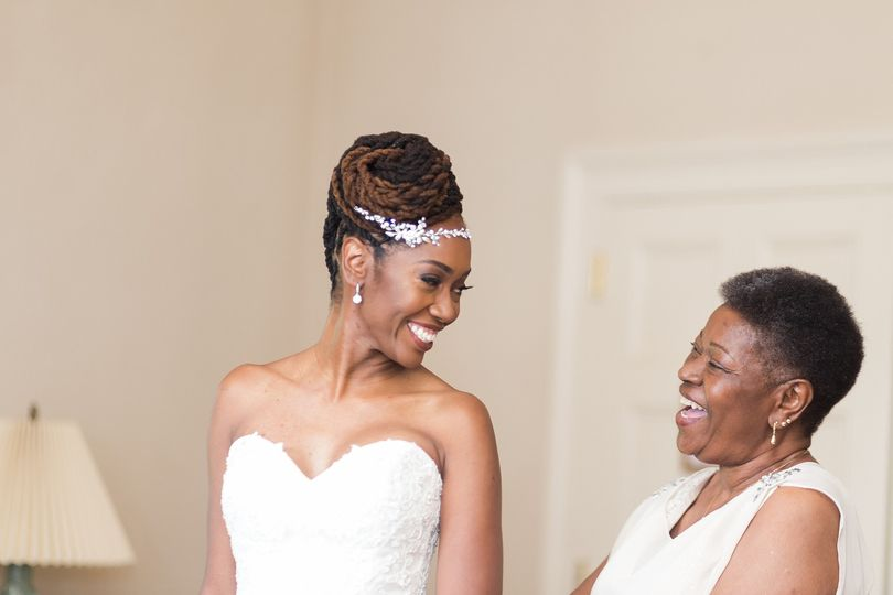 Photos of the Mother and Bride before the ceremony
