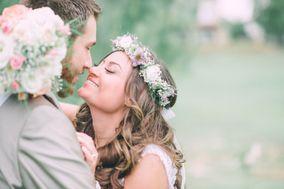 W Weddings & Me