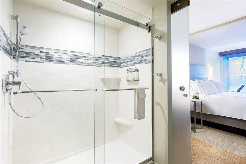 even hotel norwalk shower