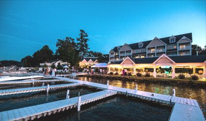Bay Pointe Inn and Terrace Grille