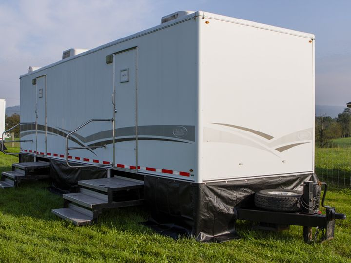 Tmx Walters Services Trailer 28 1 Exterior Angle 51 986908 Grantville, Pennsylvania wedding rental