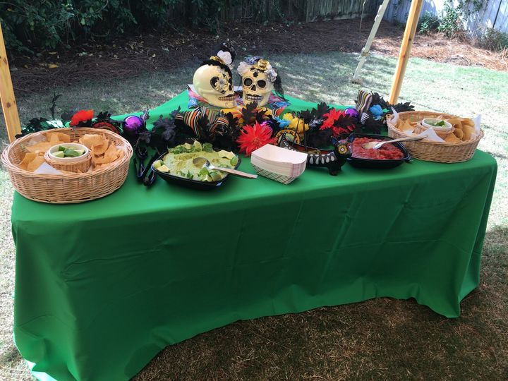 chip salsa table set up
