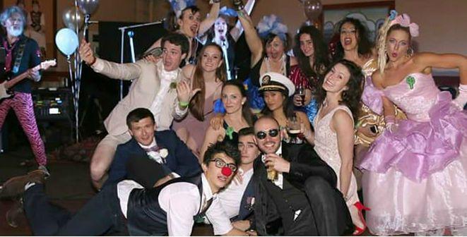 Aqua-Nets bring the party!