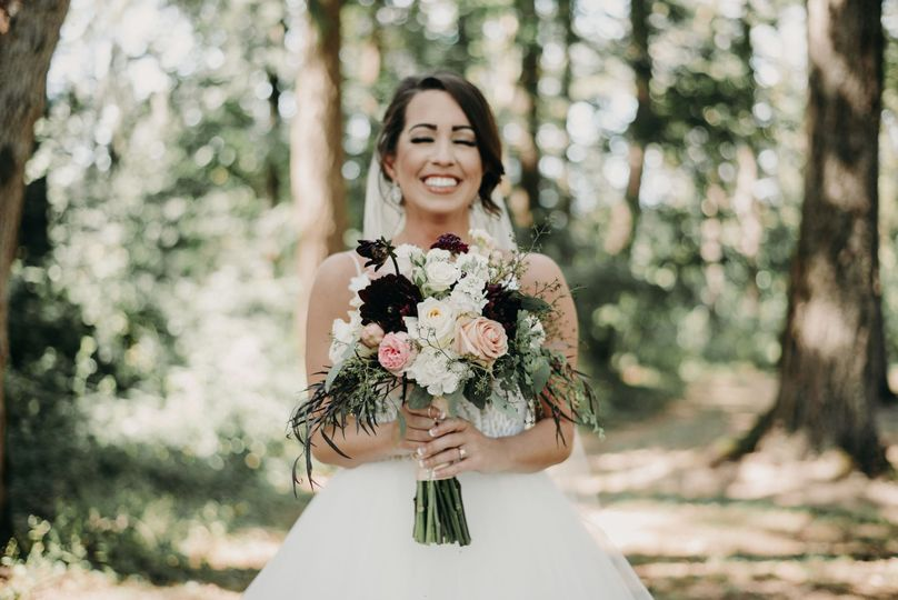 Bride and wedding bouquet | Courtney Hellen Photography
