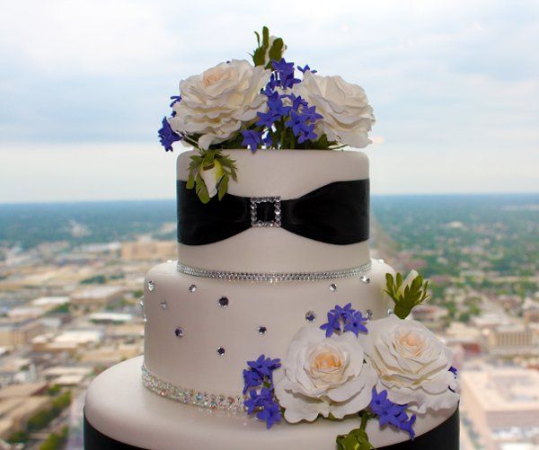 Tmx 1318609836225 IMG7564 Indianapolis wedding cake