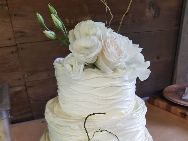 Tmx 1537313727 Cc236743c05c10c4 1537313724 279d41a02f4fe8e9 1537313717198 31 Wedding Cake  Sma Hillsborough, NJ wedding catering