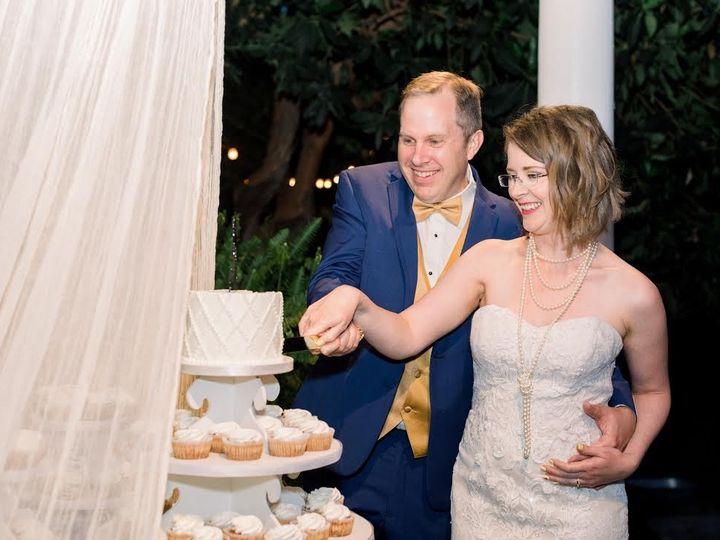 Tmx 0 2 51 495018 1560287723 Burbank wedding cake
