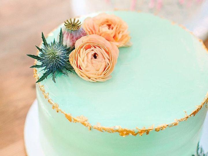 Tmx 1528738185 989ff1de0a508dc0 1528738184 F32172afff1b8d14 1528738181695 6 33028745 163609519 Burbank wedding cake
