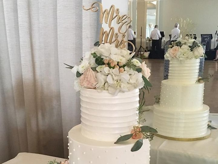 Tmx 1528738372 3bed7dec074cfaed 1528738370 1dec3a97a60c21a3 1528738369382 19 19732218 13473122 Burbank wedding cake