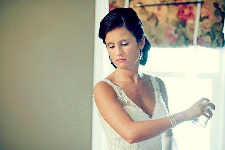 Bridal hair and makeup | Neysa Ruhl Photography