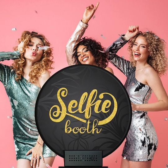 Selfie booth wedding booth