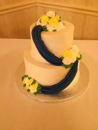the yummery wedding cake white marsh md weddingwire. Black Bedroom Furniture Sets. Home Design Ideas