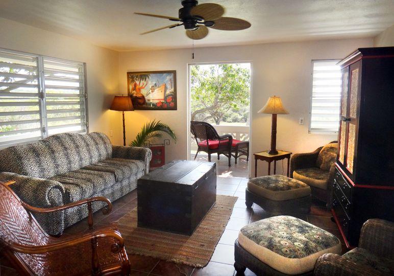 Casita Linda: 2 bedroom villa with Living Room, full kitchen private porch overlooking Esperanza...