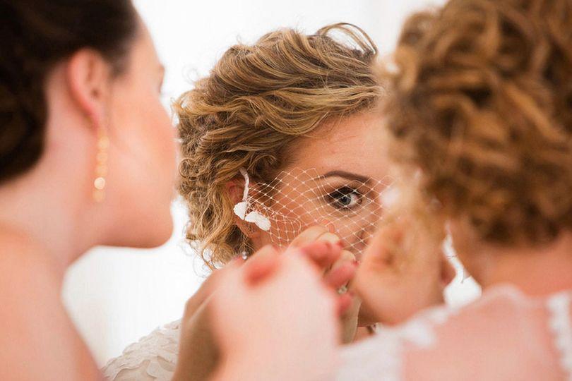 Getting ready - Carl Walsh Weddings