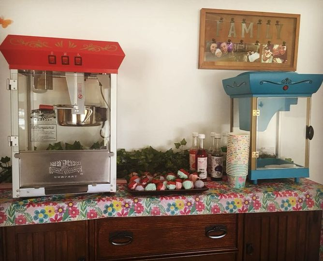 Popcorn / Snow Cone Machine