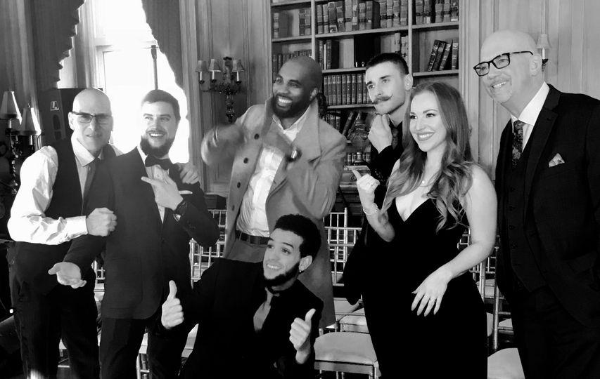 The vibe ny wedding band at oheka castle