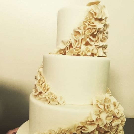 Fantasy Frostings - Wedding Cake - South Pasadena, CA - WeddingWire