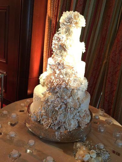 Fantasy Frostings Wedding Cake South Pasadena Ca Weddingwire