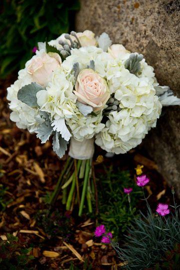 White tone bouquet
