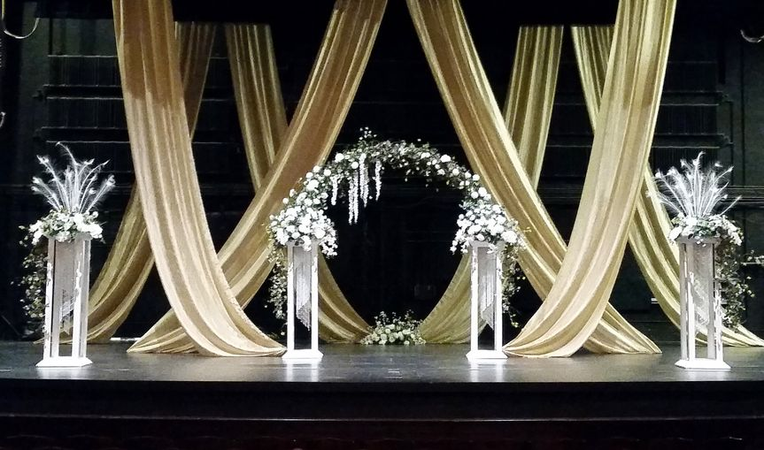 Ceremony draping and arch
