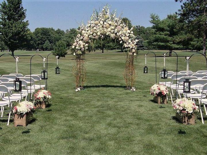 Tmx 21b 51 115218 Muskegon, MI wedding florist