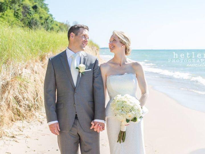 Tmx 22 51 115218 Muskegon, MI wedding florist