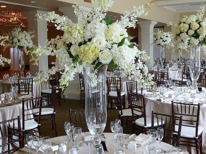 Tmx 32 51 115218 Muskegon, MI wedding florist