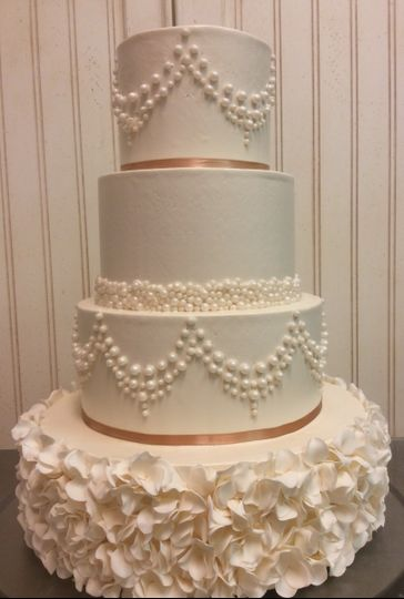 sugaree baking co wedding cake missouri st louis columbia