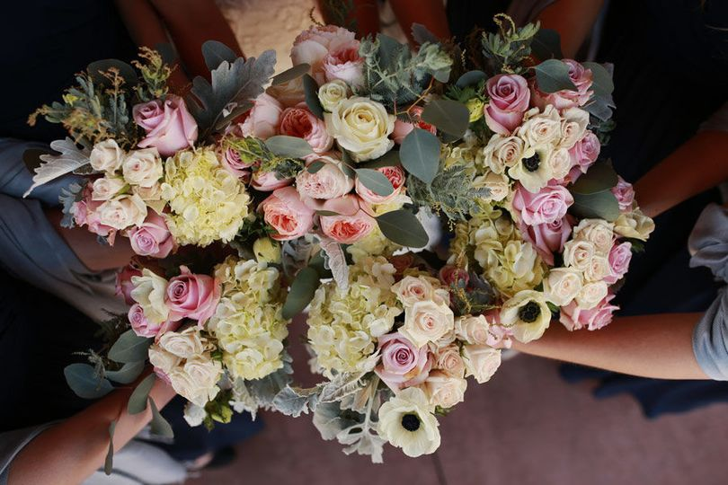 Summer bouquets with Hydrangea, Roses, and Anemone: Teri Roy Photography