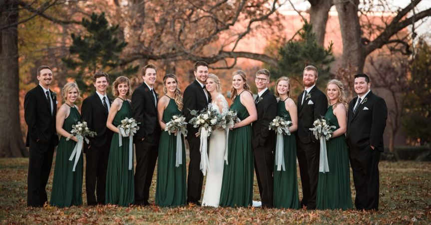 Wintery bridal party with bouquets: Jessica Yates Photography