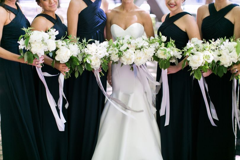 Matching bouquets of the bride and the bridesmaids