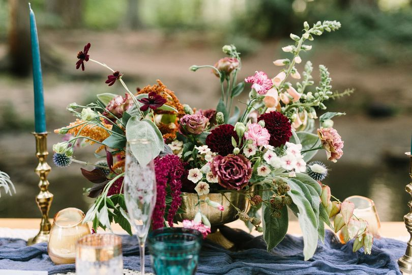 Rusted vase floral flowers seattle wa weddingwire bridal bouquet flower arrangement centerpiece izmirmasajfo