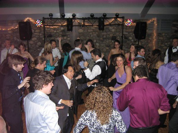 e4b2e162e74d22ff 1332721665746 weddingdance