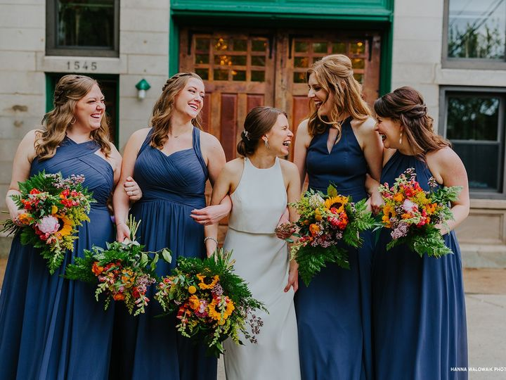 Tmx Firehouse Chicago Hanna Walowaik Photography Bridesmaids 51 129418 1564770146 Elk Grove Village, IL wedding catering